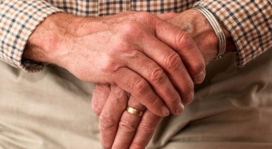 Danilo Medina: Empleados mayores de 60 años deberán estar en casa