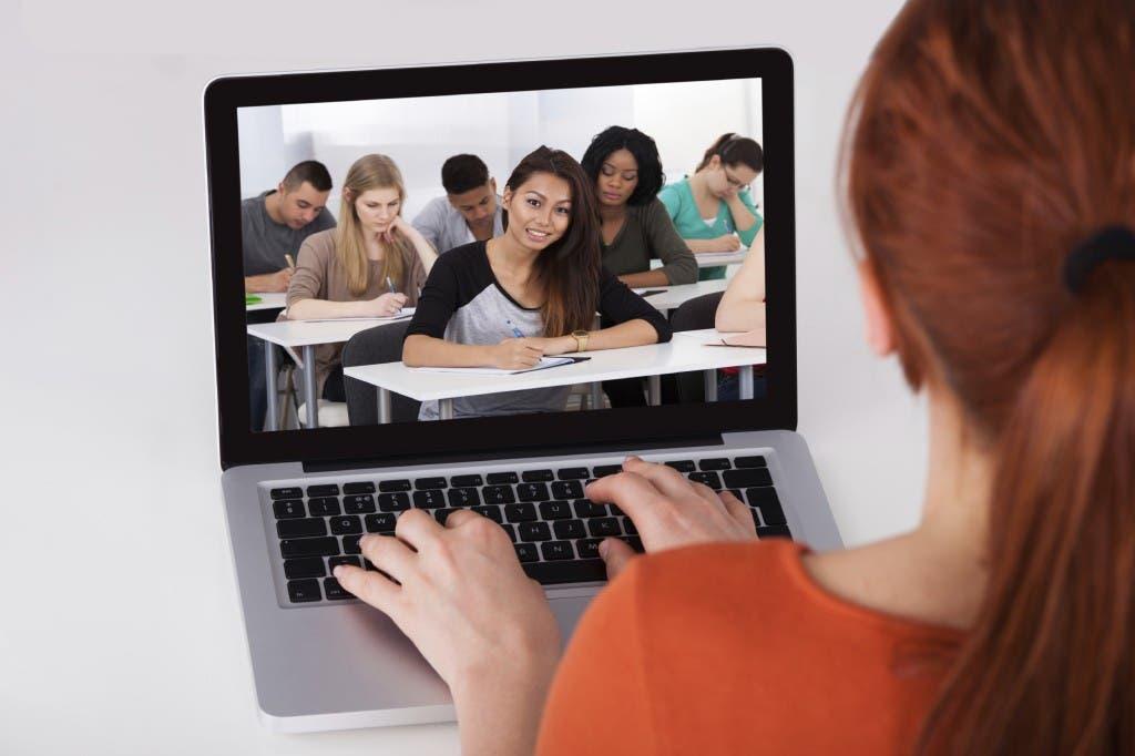 Coronavirus en RD: Colegios y universidades inician clases virtuales