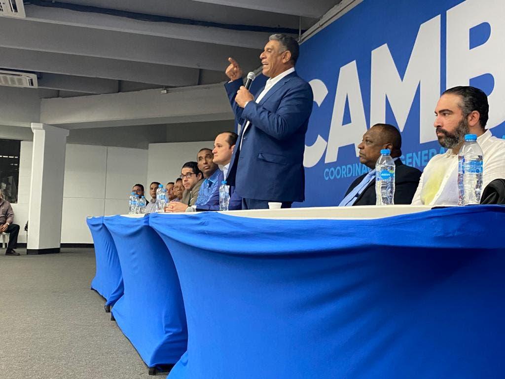 Chu Vásquez recuerda que elecciones se ganan en los centros de votaciones