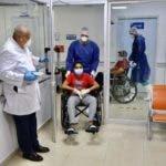 imagenes-de-esperanza-nino-de-12-anos-curado-de-covid-19-recibe-el-alta-junto-a-su-papa-2