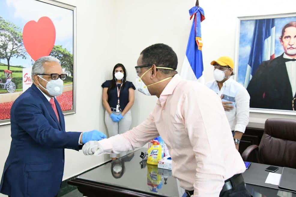 COVID-19: Ministro de Salud y Julio César Valentín harán recorrido en Santiago para fijar acciones