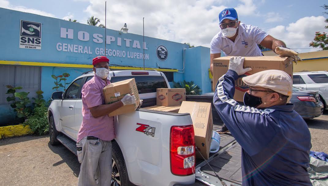 Coronavirus: Luis Abinader entregan alimentos y productos desinfectantes en asilo de ancianos y hospital
