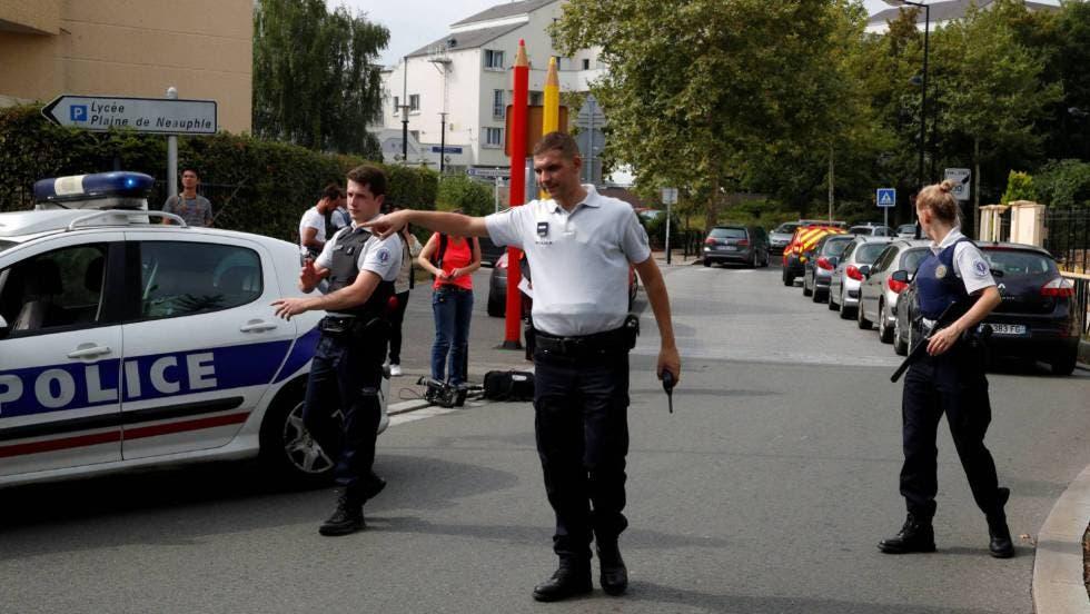 En medio de crisis coronavirus ataque en Francia deja dos muertos y seis heridos