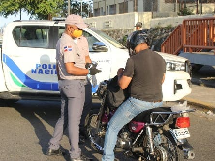 Farmacias piden parar detenciones personal farmacéutico en toque de queda