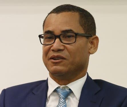 Consideran Eddy Olivares debe presidir pleno de la Junta Central Electoral