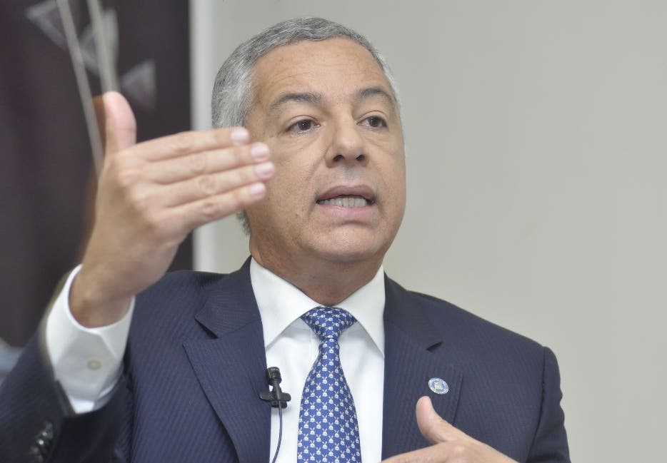 Ministro de Hacienda explica en qué se invertirá RD$40,000.0 millones de las AFP