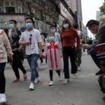 Los residentes de Wuhan pudieron salir tras 11 semanas de cuarentena. AP.