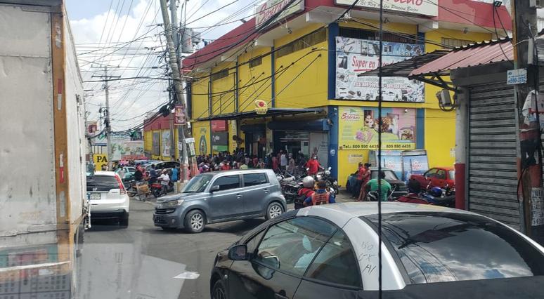Videos y fotos: Barrios llenos de gente; no hacen caso a cuarentena