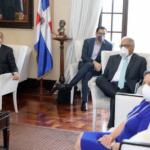 Presidente Danilo Medina durante la reunión con Comité de Emergencia y Gestión Sanitaria para el Combate del Coronavirus.