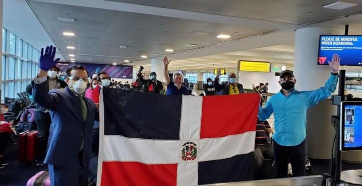 Llegan al país 134 dominicanos permanecían varados en Nueva York