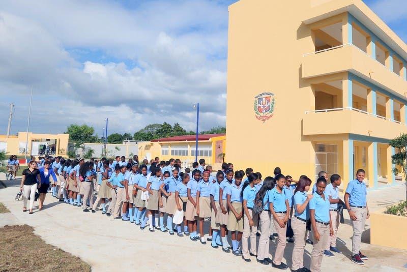 Incertidumbre sobre el inicio de año escolar en República Dominicana