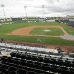 La oficina de Grandes Ligas y el sindicato de peloteros discuten la posibilidad de llevar a los 30 equipos al área de Phoenix