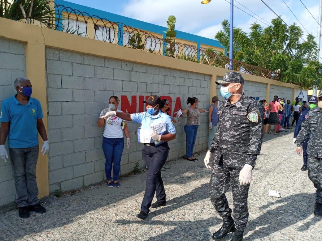 Director Policía Escolar encabeza supervisión operativo protección centros educativos
