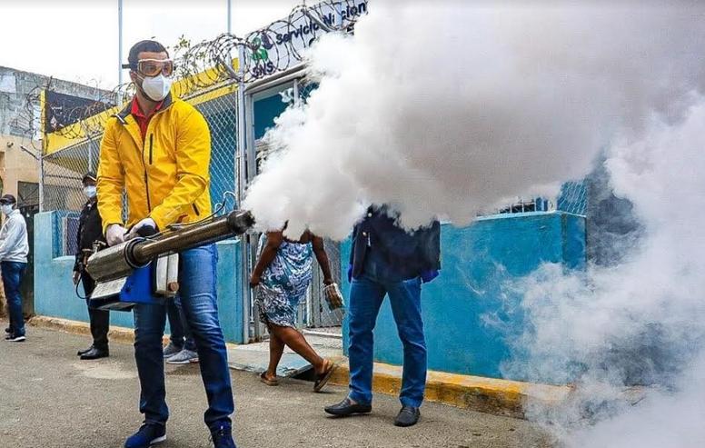 Rafael Paz realiza jornada de desinfección en Los Guandules