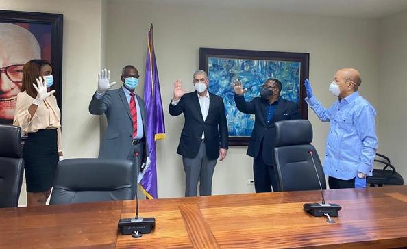 Dos alcaldes del PRSC y una regidora de la Fuerza del Pueblo  respaldan a Gonzalo Castillo
