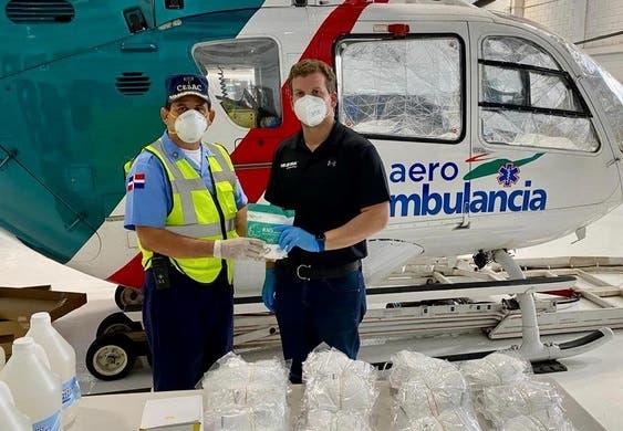 Gonzalo Castillo entrega 4,000 mascarillas al CESAC por Covid-19