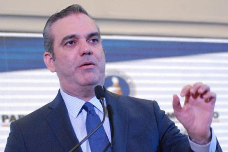 Luis Abinader llama a nuevos alcaldes a ganar la lucha contra el COVID-19