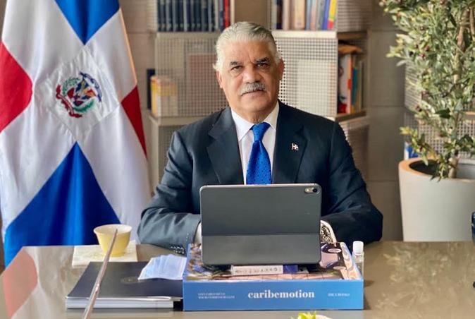 Cancillería: Víctor Grimaldi no cobra porque no ha asumido el cargo