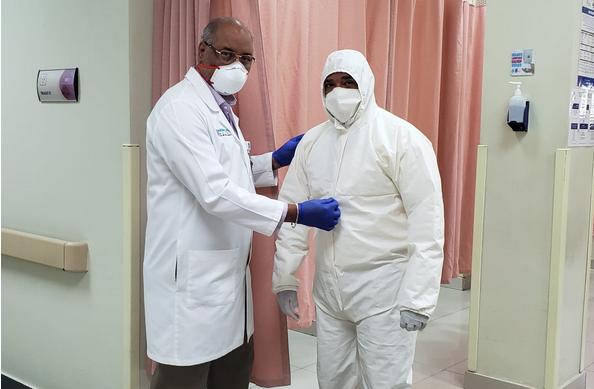 Hospital Reynaldo Almánzar elabora trajes de protección y mascarillas para el personal