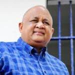 El doctor Roberto Fulcar, coordinador general de campaña de Luis Abinader, advirtió hoy que el 24 de este mes de abril y el 16 de Agosto de este año en República Dominicana deberá haber cambio de mando de las autoridades municipales y nacionales, de acuerdo a los mandatos de la constitución y las leyes.