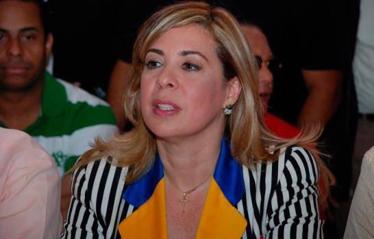 Sergia Elena denuncia Margarita Cedeño y Raquel Peña se niegan a debatir con ella