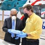 El candidato presidencial por el Partido de la Liberación Dominicana (PLD), Gonzalo Castillo, continúa con la entrega de los aportes que prometió para combatir el coronavirus