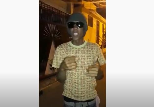 Videos: Hombre amenaza con matar policías para violar toque de queda
