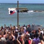 Momento cuando El Peregrino enterró la cruz