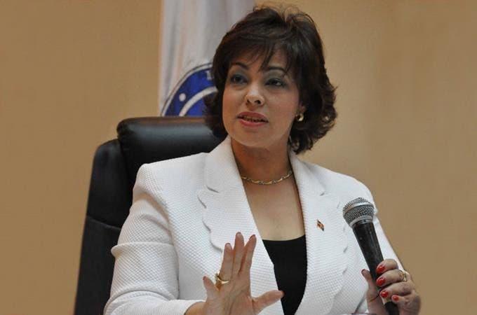Yokasta Guzmán, directora de Compras y Contrataciones. Fuente externa.