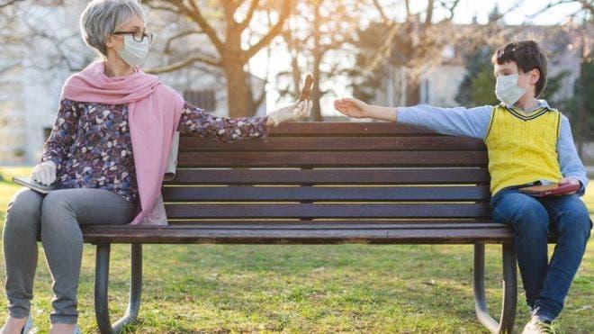 COVID-19: ¿Qué puedes hacer para evitar contagiarte después del confinamiento?