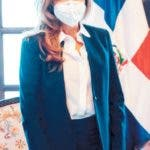 La alcaldesa del Distrito Nacional, Carolina Mejía recibió la visita de cortesía de la embajadora de Canadá, Shauna Hemingway, quien mostró su disposición de trabajar para fortalecer la cooperación con el cabildo de la Capital.  Hoy/Fuente Externa 25/05/20