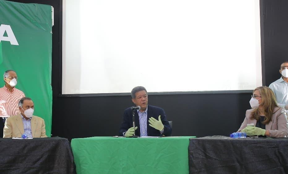 Leonel Fernández cuestiona las AFP compren bonos al gobierno y no den dinero a trabajadores