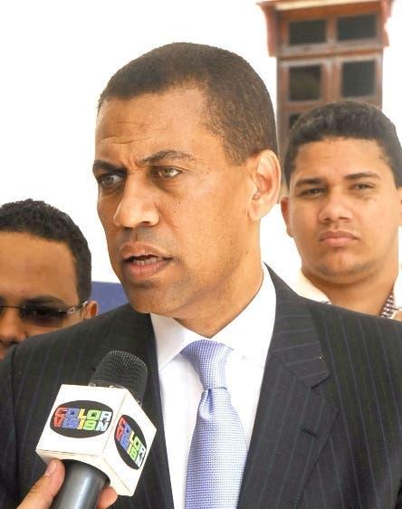 Guido Gómez Mazara somete a la justicia a dos periodistas