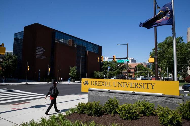 Alumnos demandan a universidades de EEUU por clases en línea