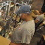 País - Visita del Gobernador de Puerto Rico, Luís G. Fortuño, a la fabrica LANCO.Ariel Díaz-Alejo / Periódico Hoy / 14 de octubre del 2010.