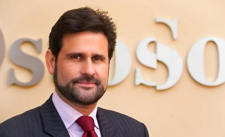Lo que dice un estratega político español sobre candidatura de Luis Abinader
