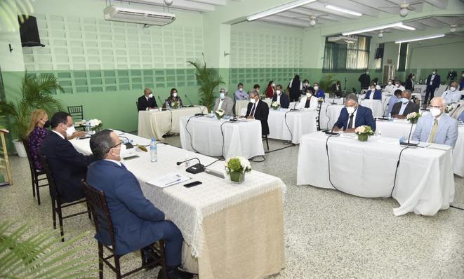 El Consejo Nacional de Educación se reunión hoy para tratar la situación de la educación.