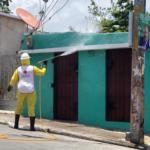 La Cruz Roja realiza operativo de desinfección por COVID-19.