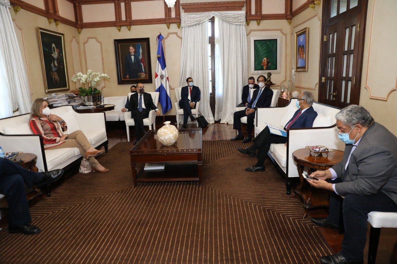 COVID-19: Danilo Medina evalúa primera fase desescalada