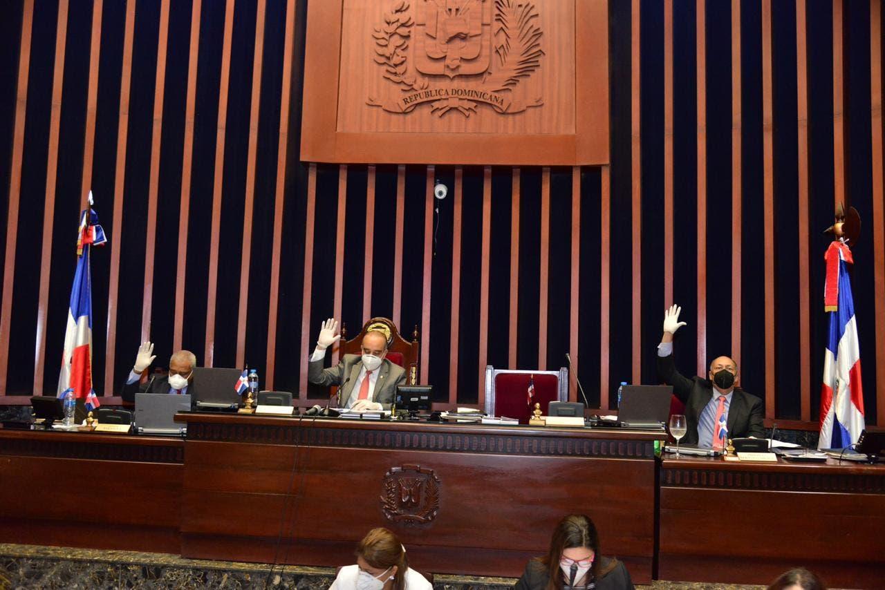 Senadores aprueban estado de emergencia por 25 días más