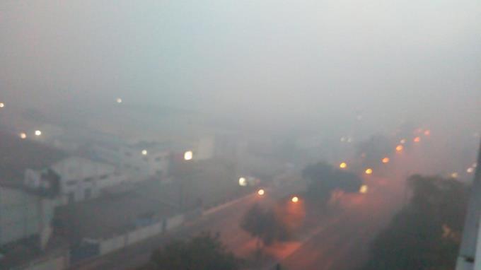 Ante el incendio del vertedero Duquesa, que lleva ya seis días, la Capital de República Dominicana amanece otra vez llena de humo.