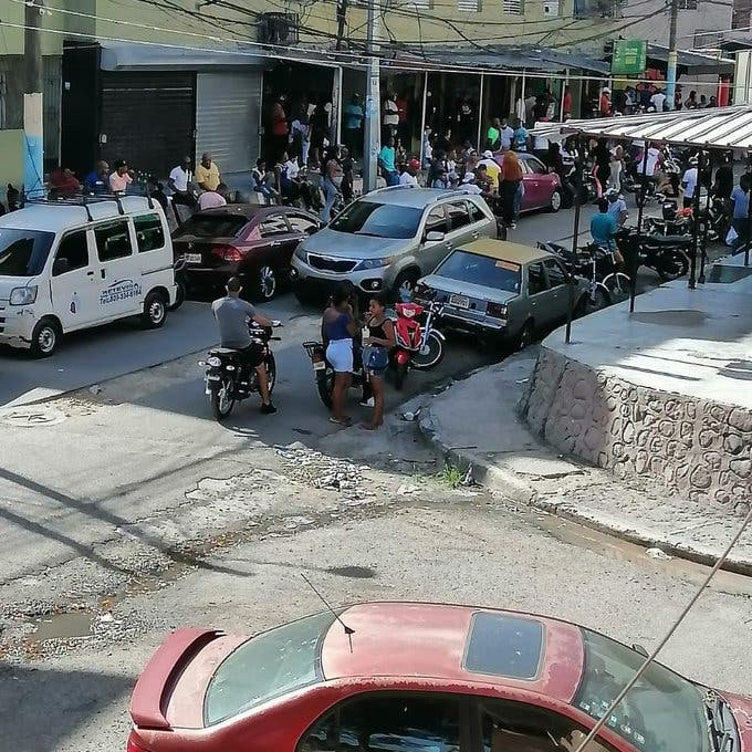 Coronavirus: ¿En Guachupita no tienen temor a nada?, vea cómo rompen cuarentena
