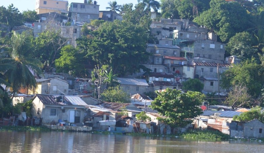 Coronavirus llegó ya a los barrios dominicanos