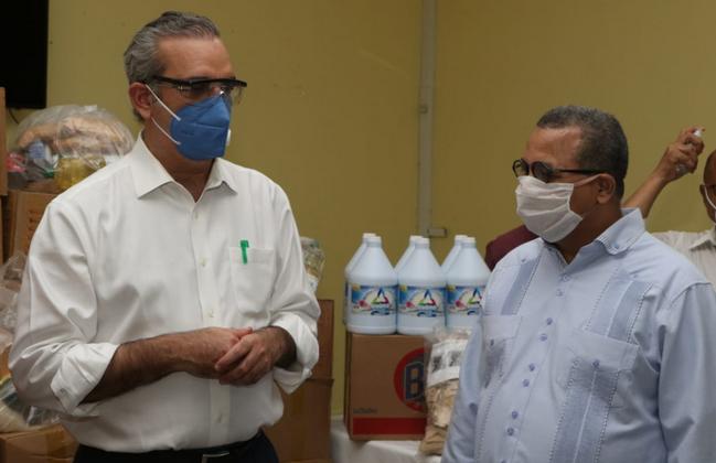 Luis Abinader aboga por incremento de pruebas COVID-19 en barrios