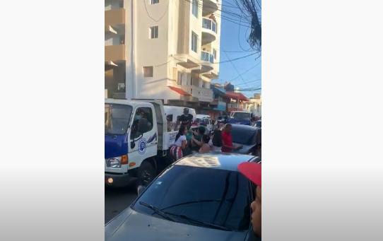 Videos: Denuncian equipo Gonzalo Castillo viola toque de queda