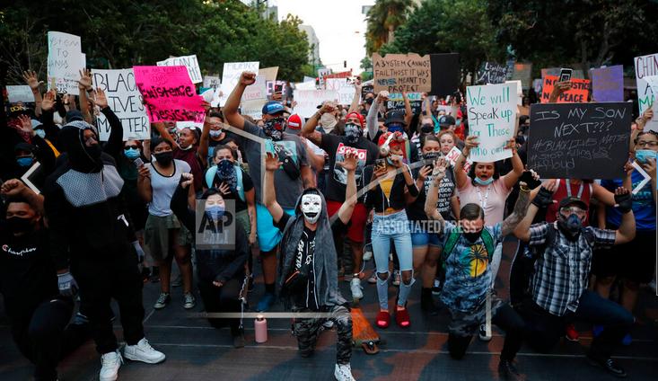 Prevén pico de contagios por protestas masivas en EEUU