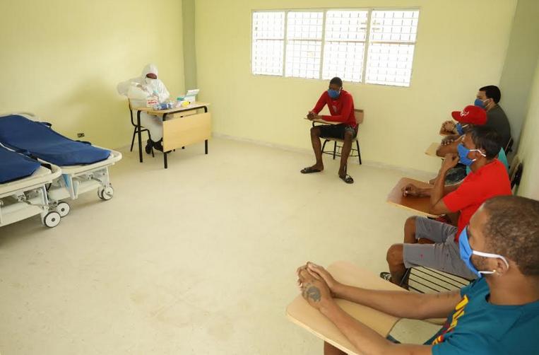Grupo de 36 reclusos de cárcel de La Victoria se recupera de COVID-19