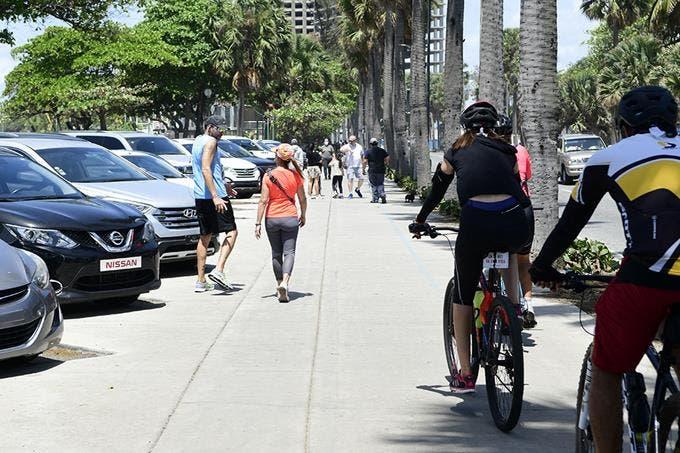 Coronavirus: Personas abarrotan el Malecón de Santo Domingo pese a cuarentena