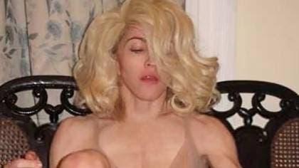 Vea aquí la provocadora foto de Madonna al borde de la censura