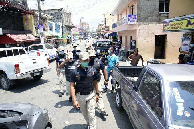 Autoridades apresan a más de 50 personas en Capotillo tras tiroteo